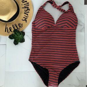 🌼NWT one piece halter swimsuit